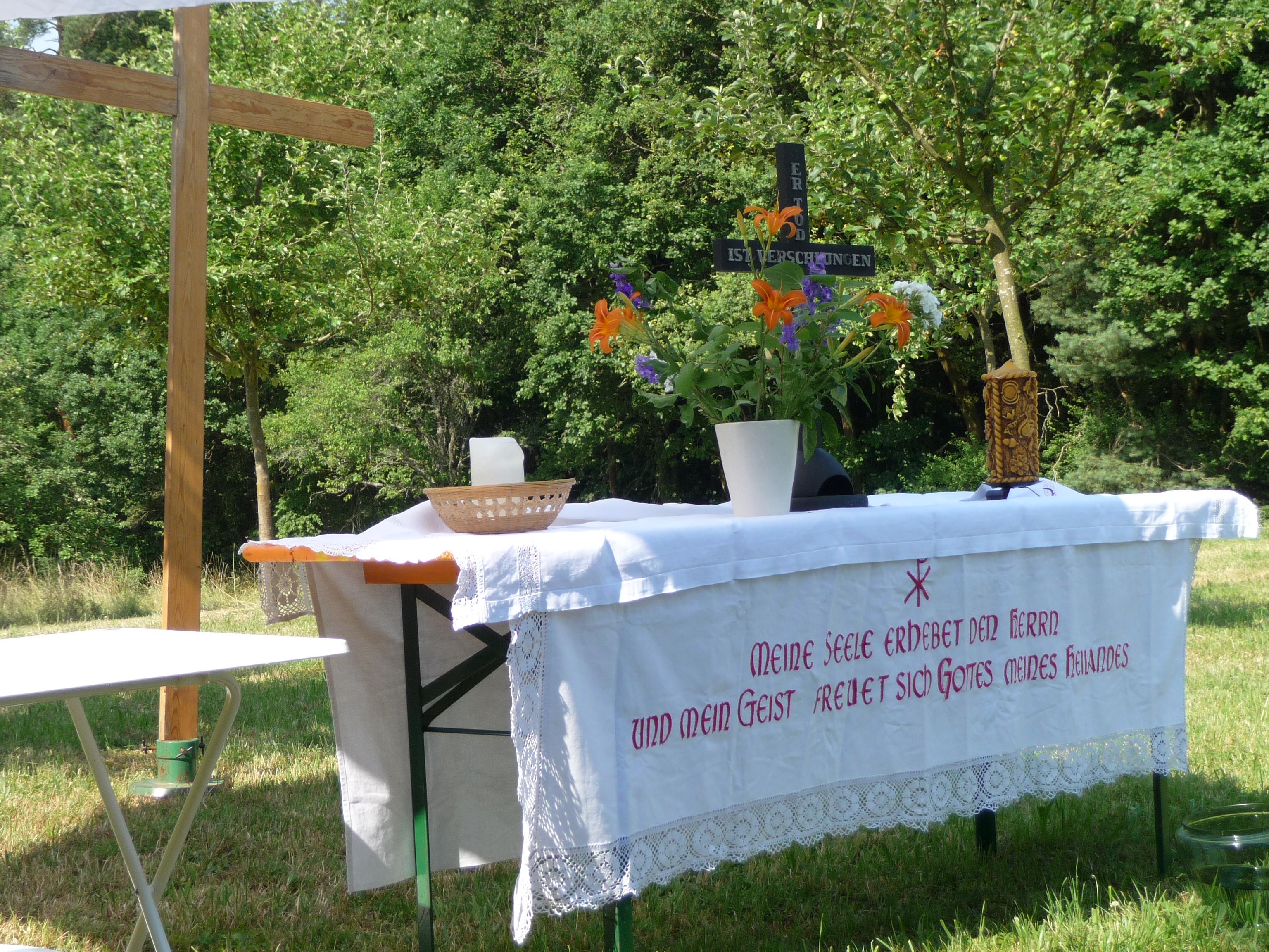 Im Juli: Gottesdienst im Grünen